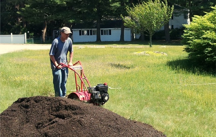 What To Consider Before Buying A Tiller For Breaking New Ground?