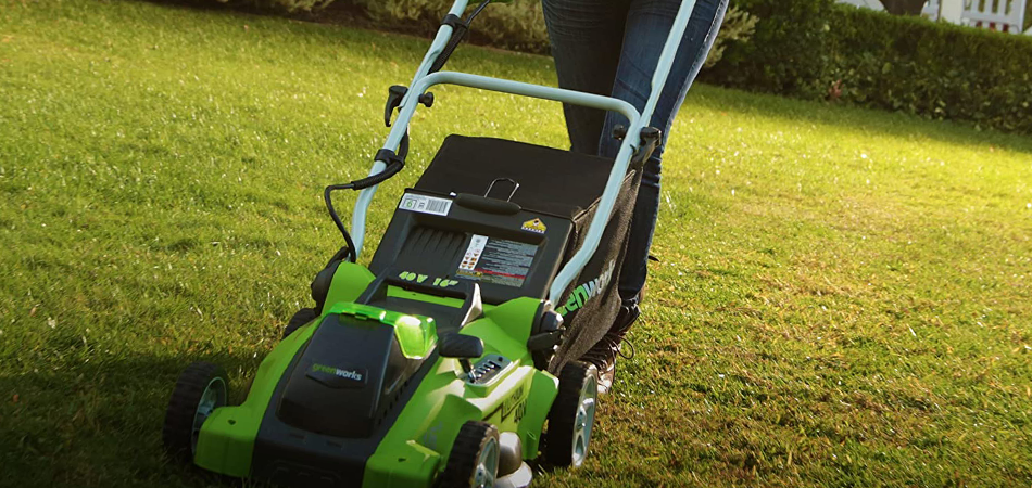 The 9 Best Lawn Mower for Wet Grass Reviews in 2021
