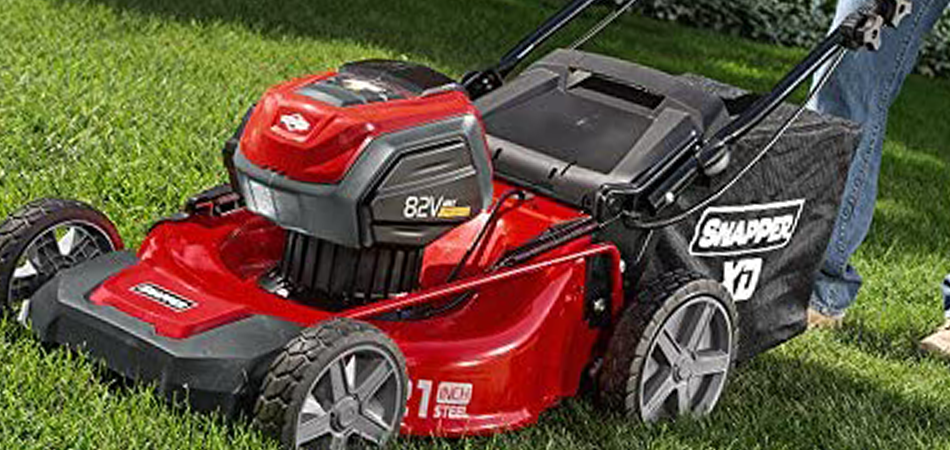 9 Best Lawn Mower for Elderly Reviews [Gardeners & Senior Citizens]