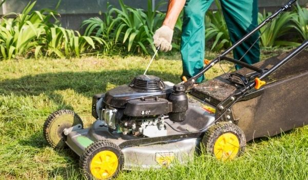 Why Lawn Mower Won't Start Without Starter Fluid?